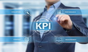 man drawing picture with kpi